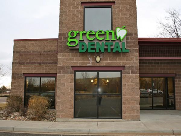 Green Dental Clinic in Broomfield CO